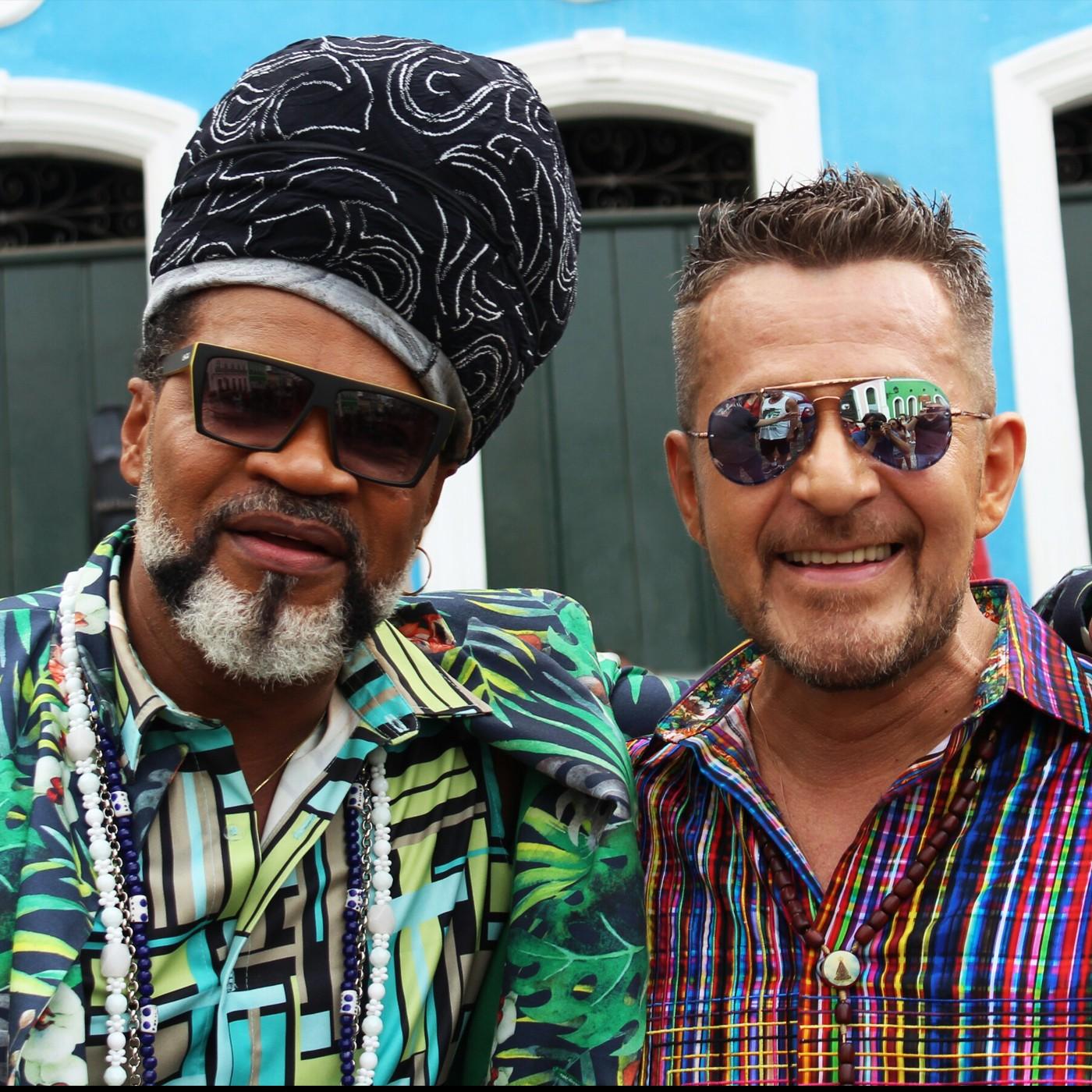 Jorge Zárath e Carlinhos Brown no Pelourinho (Foto: Divulgação)