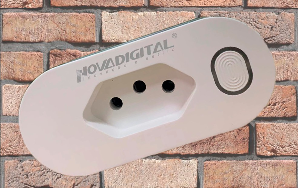 Tomada Novadigital apresenta um indicativo em LED capaz de mostrar o funcionamento do dispositivo — Foto: Divulgação/Novadigital