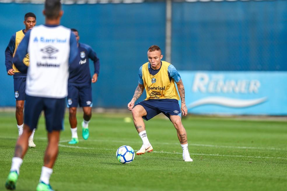 Everton é grande nome do setor ofensivo no momento (Foto: Lucas Uebel/Grêmio)