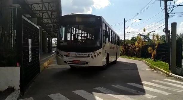 Motoristas e cobradores de ônibus  fazem paralisação em Campo Limpo Paulista