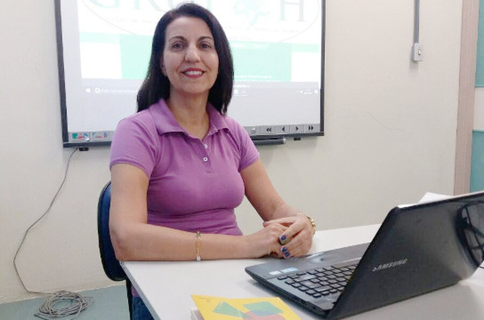 Professora Rosemeire de Araújo Rangni coordena o grupo (Foto: Divulgação/UFSCar)