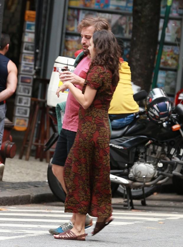 Gregório Duvivier e a mulher, Giovanna Nader (Foto: Thiago Martins/AgNews)