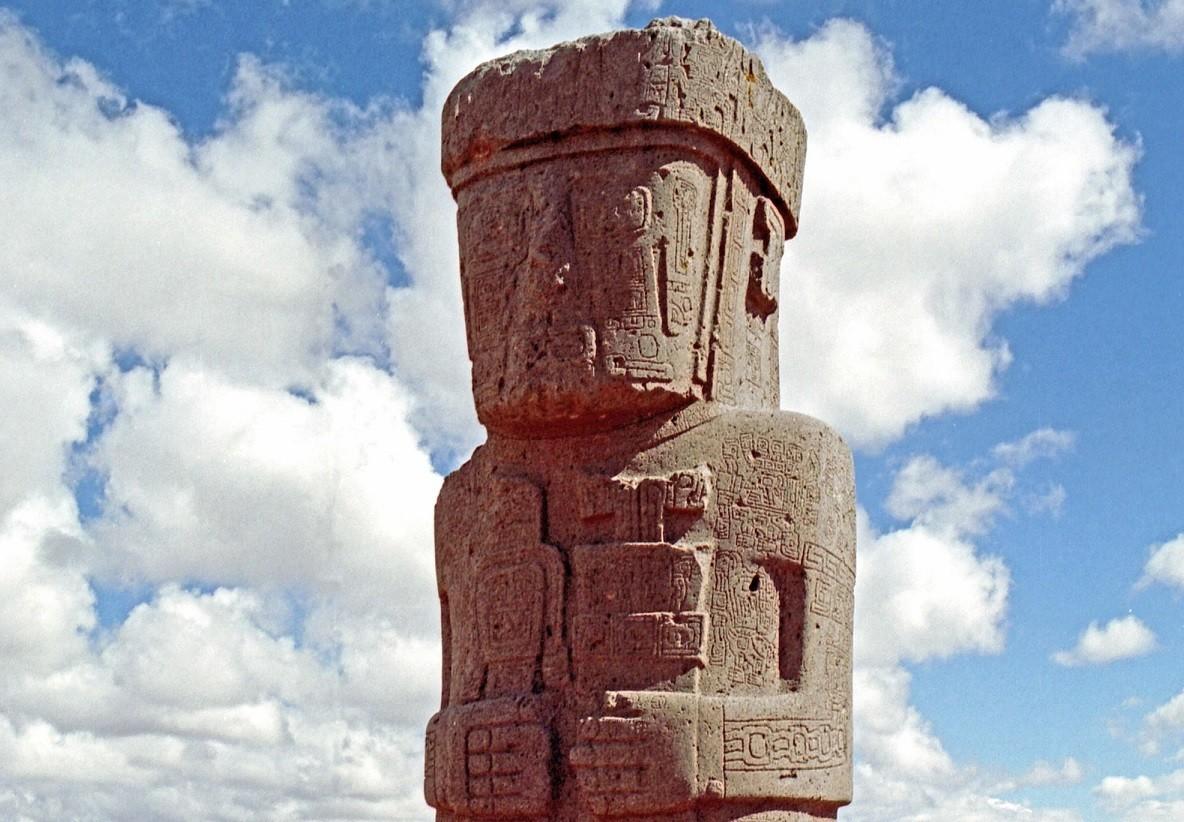 Monumento construído pelos Tiwanaku (Foto: Wikimedia Commons)