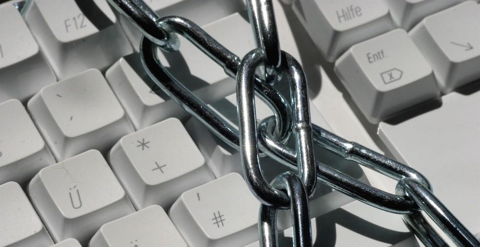 Criminosos tentam pressionar empresas vítimas de ataque enviando mensagens a clientes. — Foto: Armin Hanisch/Freeimages.com