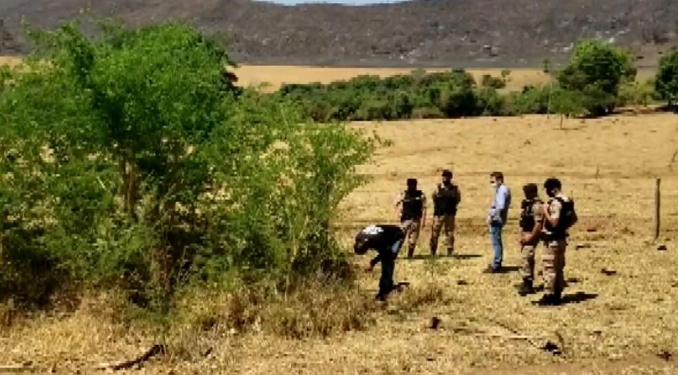Casal foi encontrado morto na zona rural de Passos (MG) — Foto: Reprodução/EPTV