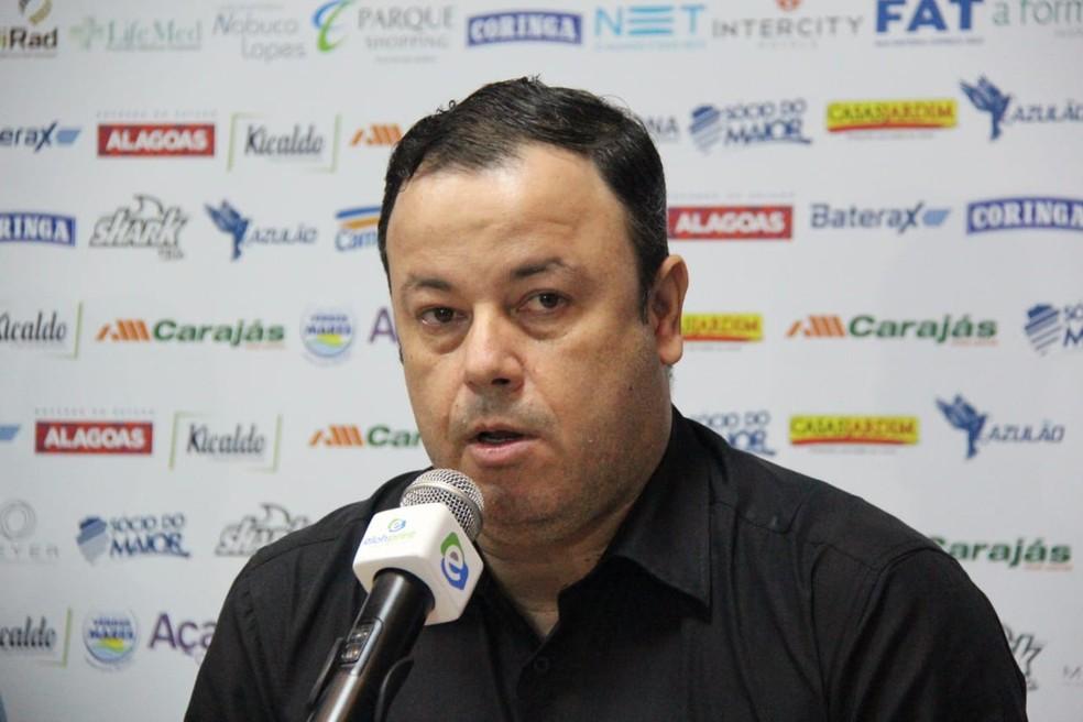 Fabiano Melo não descarta o acerto com o jogador — Foto: Denison Roma/GloboEsporte.com
