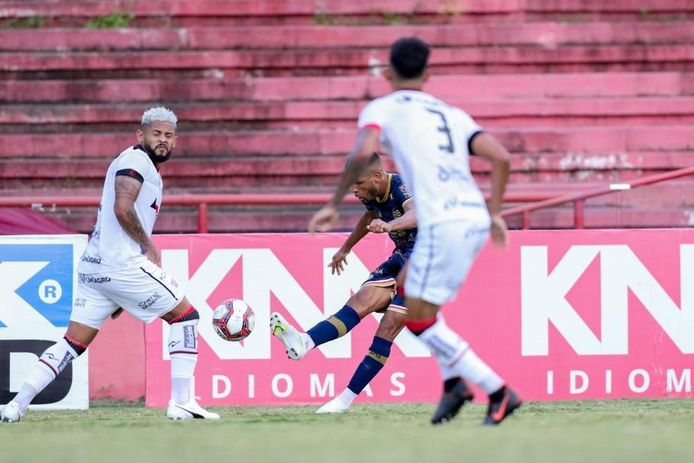 Vitória tem mais de 50% de risco de rebaixamento — Foto: Marlon Costa/Pernambuco Press
