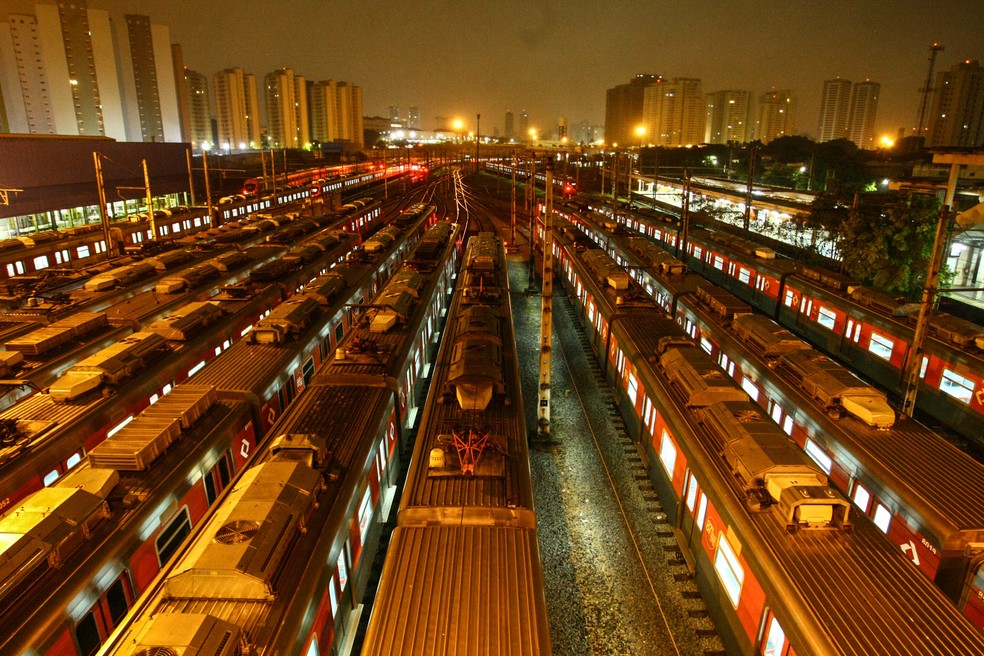 Trens no pátio da CPTM em Presidente Altino, bairro de Osasco, na Grande São Paulo (Foto: Aloisio Maurício/Fotoarena/Estadão Conteúdo)