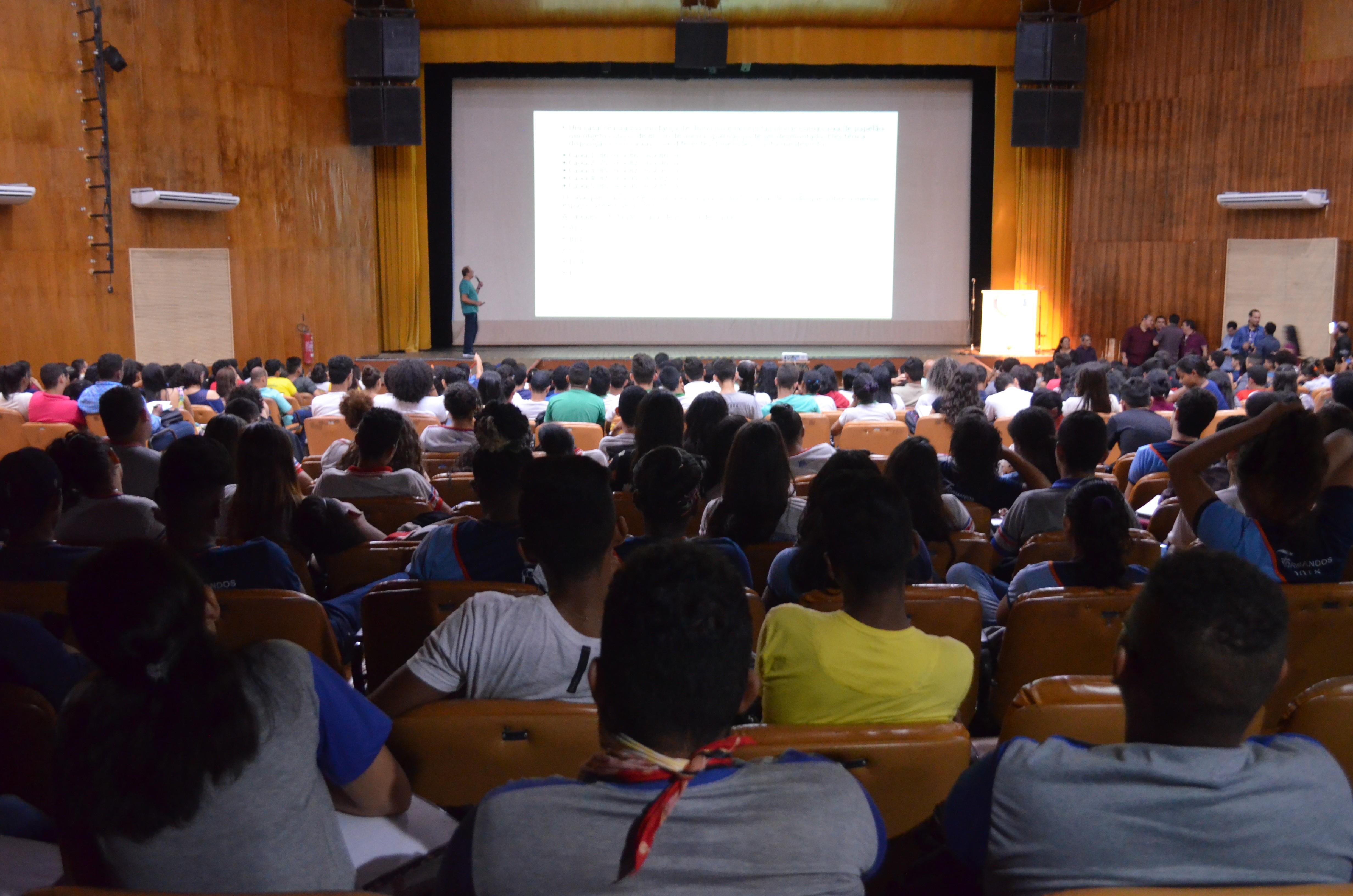 Cursinho pré-Enem gratuito abre 600 vagas para estudantes da rede pública de ensino no AP - Notícias - Plantão Diário