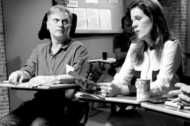 """Jorge Caetano e Luísa Thiré, na série """"Dependentes"""" (Foto: Divulgação)"""