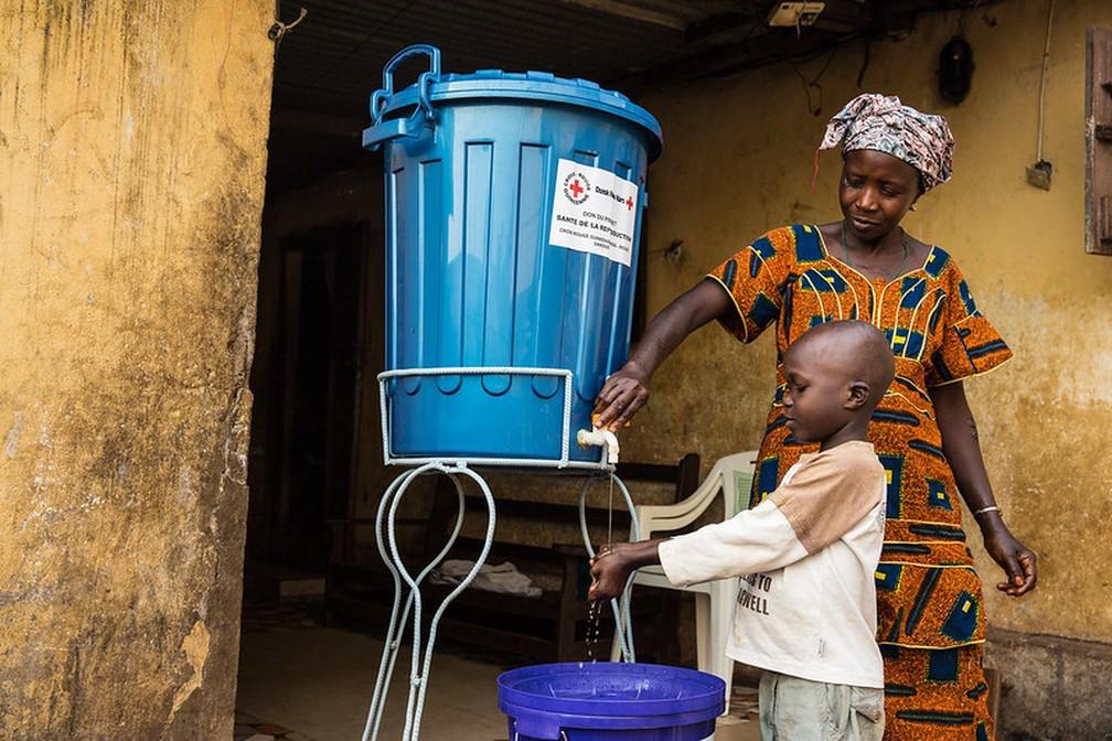 Área de prevenção e tratamento do Ebola em Conakry, na Guiné — Foto: Divulgação/ONU