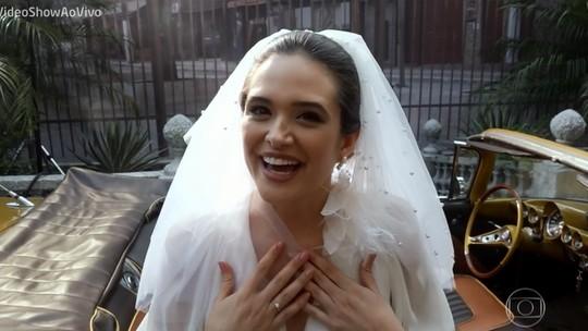 Vestida de noiva, Juliana Paiva comenta: 'Dá um gostinho pra vida real'