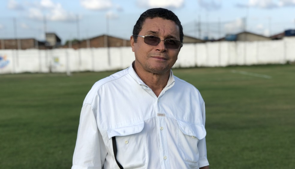 Presidente do Confiança de Sapé, José Severino, reconheceu problemas do clube — Foto: Lucas Barros/GloboEsporte.com