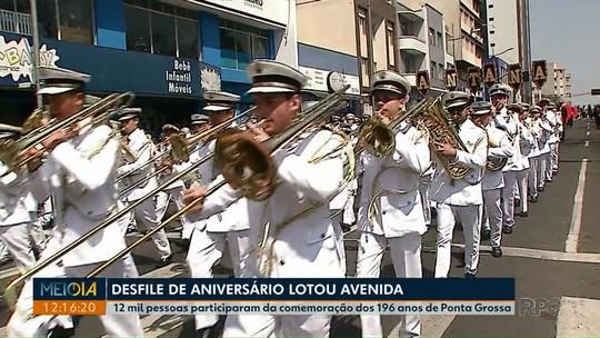 Desfile de aniversário movimenta PG