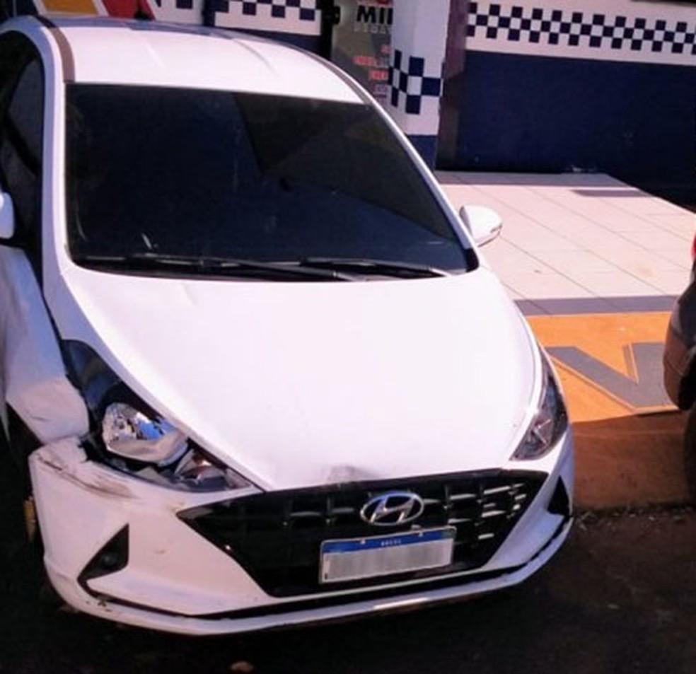 O veículo da vítima foi localizado pelos policiais militares em Tangará da Serra — Foto: Divulgação