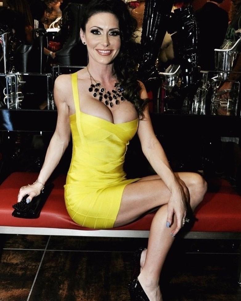 Jessica Jaymes, atriz pornô americana, morre aos 43 anos - Notícias - Plantão Diário