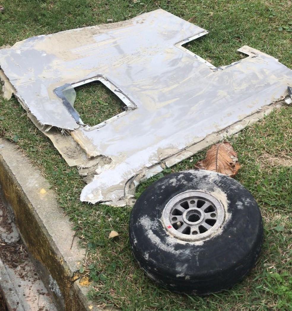 Destroços que seriam de avião desaparecido no Litoral Norte de SC foram encontrados em Itapema. (Foto: Divulgação/Corpo de Bombeiros)