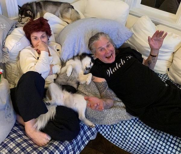 A empresária Sharon Osbourne em foto recente na companhia do marido, o músico Ozzy Osbourne (Foto: Instagram)