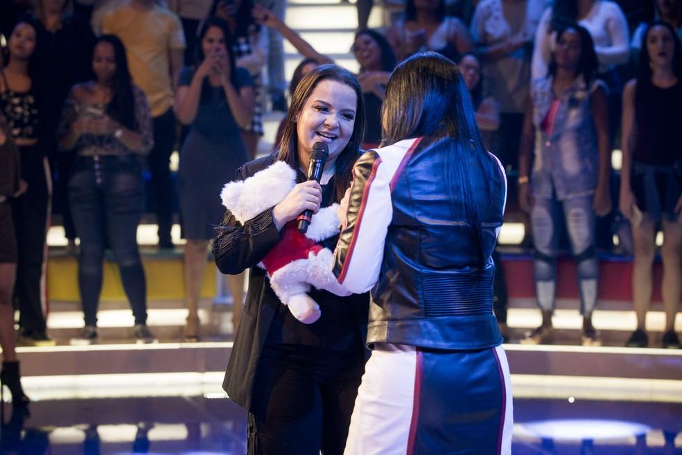 As cantoras se emocionam no palco do 'Caldeirão do Huck' — Foto: Isabella Pinheiro/Gshow