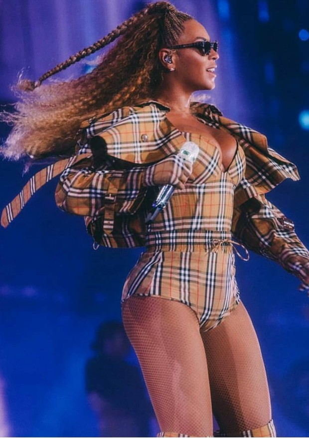 Beyoncé, na turnê ORTII (Foto: Reprodução/ Instagram)