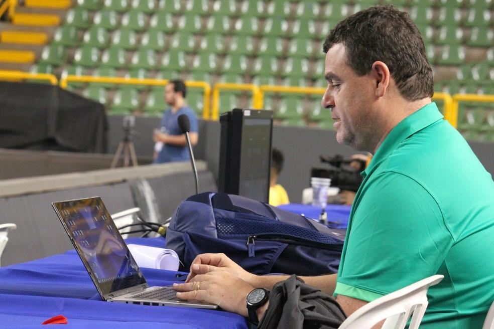 Carlos Andreoli é o diretor do departamento de saúde da CBB (Foto: Fabrício Marques)