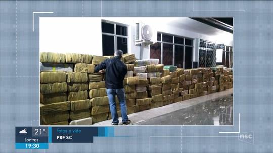 Polícia apreende 8,3 toneladas de maconha em meio a carga de milho em SC