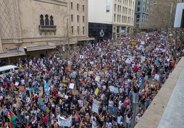Manifestantes invadem ruas de Melbourne, na Austrália (Foto: Asanka Ratnayake/Getty Images)