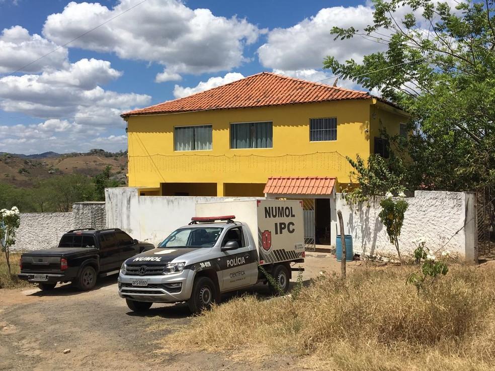 Idoso é morto após ter casa invadida e cofre roubado, em Riachão do Bacamarte, na PB — Foto: Felipe Valentim/TV Paraíba
