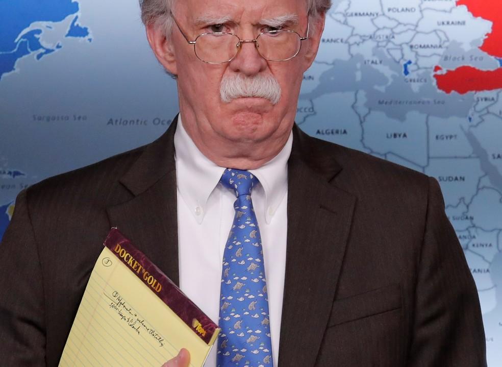 Colômbia diz não ter informações sobre anotação de tropas por John Bolton