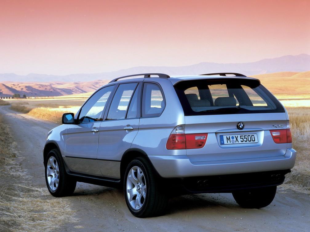BMW X5 4.4i 2000 — Foto: Divulgação/BMW