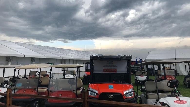 Minutos antes da tempestade cair na área da Farm Progress Show, nos EUA (Foto: Cassiano Ribeiro/ Ed. Globo)