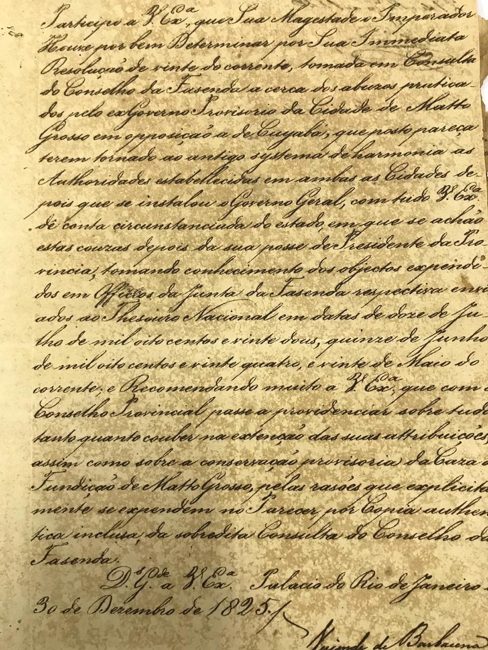 Informe imperial escrito à mão que circulou em 1825 — Foto: Arquivo Público/Reprodução