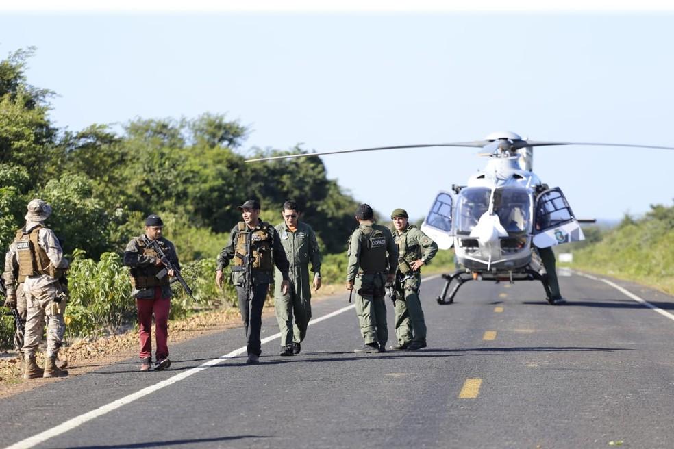 Ação contou com a participação do Comando Tático Rural (Cotar) do Ceará com apoio aéreo — Foto: Divulgação/SSP-PI
