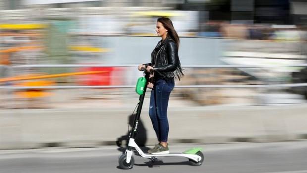 Os patinetes elétricos ou e-scooters estão se tornando populares em vários países e também já operam no Brasil (Foto: REUTERS)