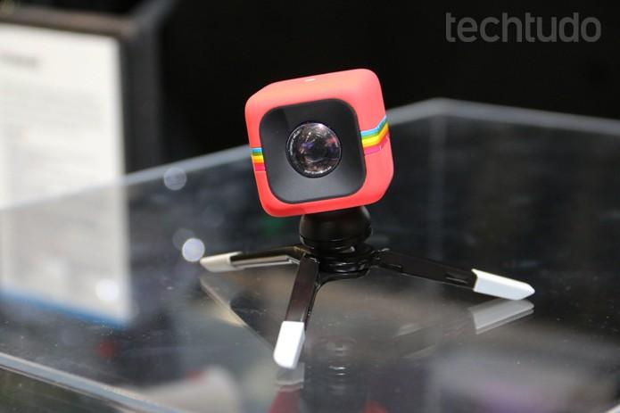 A Polaroid C3 fotografa embaixo d'água e tem custo estimado em US$ 99 (Foto: Monique Mansur/TechTudo)