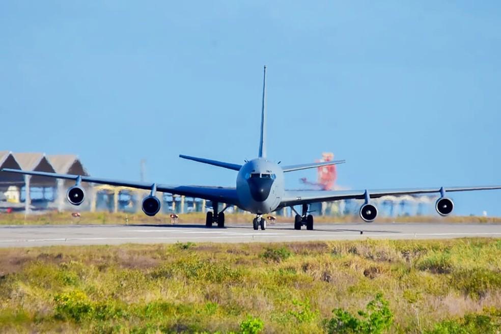 Reabastecedor KC-135 — Foto: Pedro Vitorino