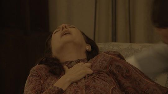 Ana tem 'piripaque' ao descobrir que Severo está apaixonado por outra