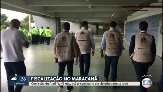 Comissão da Alerj faz autuações com multa durante clássico no Maracanã