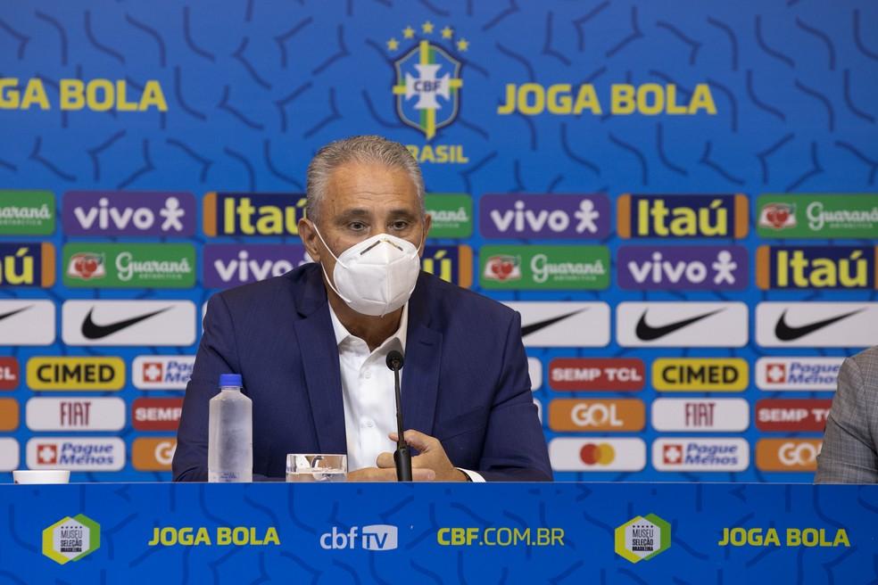 Tite divulgou a convocação da seleção brasileira nesta sexta — Foto: Lucas Figueiredo/CBF
