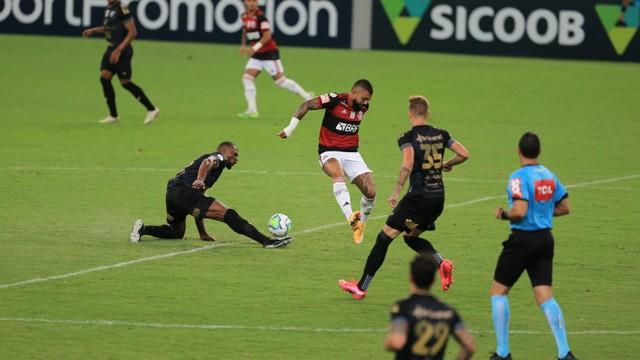 Gabigol em ação em Ceará x Flamengo