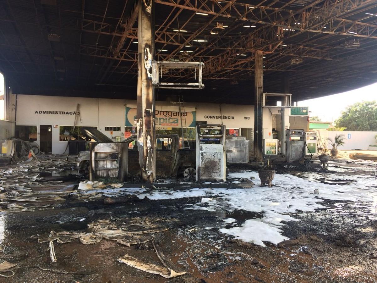 Posto de combustíveis pega fogo na zona Oeste de Boa Vista