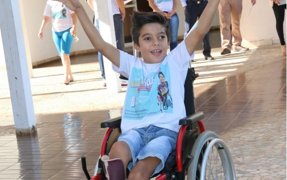 -  Campanha conseguiu dinheiro para passagens e cirurgia nos EUA  Foto: Divulgação