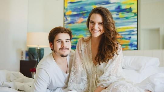 Juliana Paiva e Nicolas Prattes mostram bastidores do final de Samurocas em 'O Tempo Não Para'