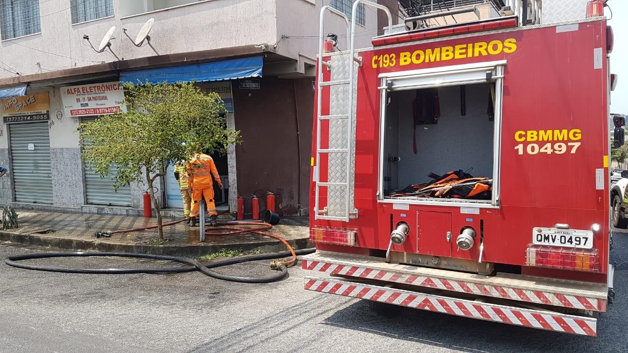 Incêndio é registrado em imobiliária no Centro de Divinópolis