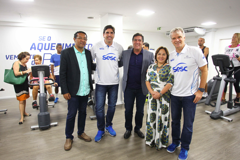 Bernardinho e Giovane, técnicos de vôlei do Sesc, na nova academia