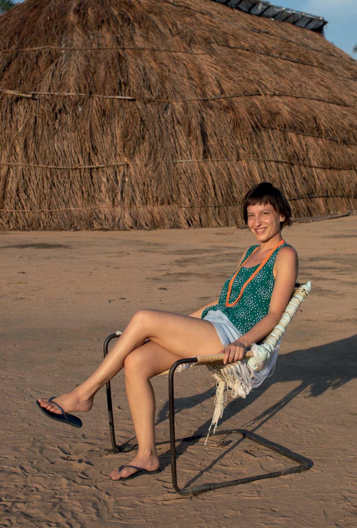 Cadeira Paulistano, de Paulo Mendes da Rocha, ganha nova roupagem com ajuda de indígenas do Xingu (Foto: RUY TEIXEIRA)