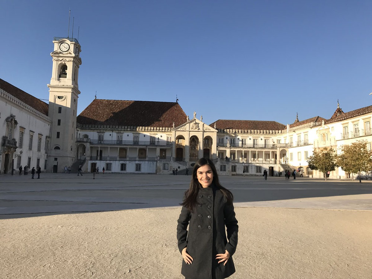 Ex-aluna de Odontologia ingressa em Mestrado da Universidade de Coimbra  f62ee921c1428