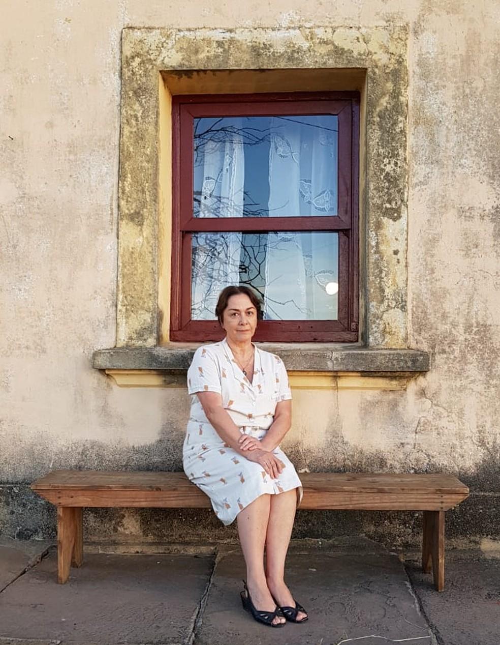 Nívea Maria interpreta Evelina, mãe de Maria da Paz (Juliana Paes) e Zenaide (Maeve Jinkings), em 'A Dona do Pedaço' — Foto: Rogério França