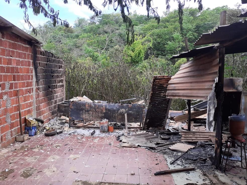 Cômodo da Tenda Cabocla Jurema, em Sobradinho, incendiada na noite de Natal em 2019 — Foto: Arquivo pessoal
