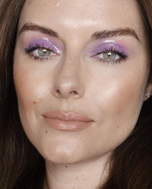 Sombra lilás é hit!  (Foto: Reprodução / Instagram @katiejanehughes )